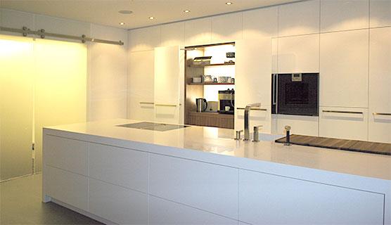 Pin Weiße Küche Mit Klinker An Der Wand on Pinterest